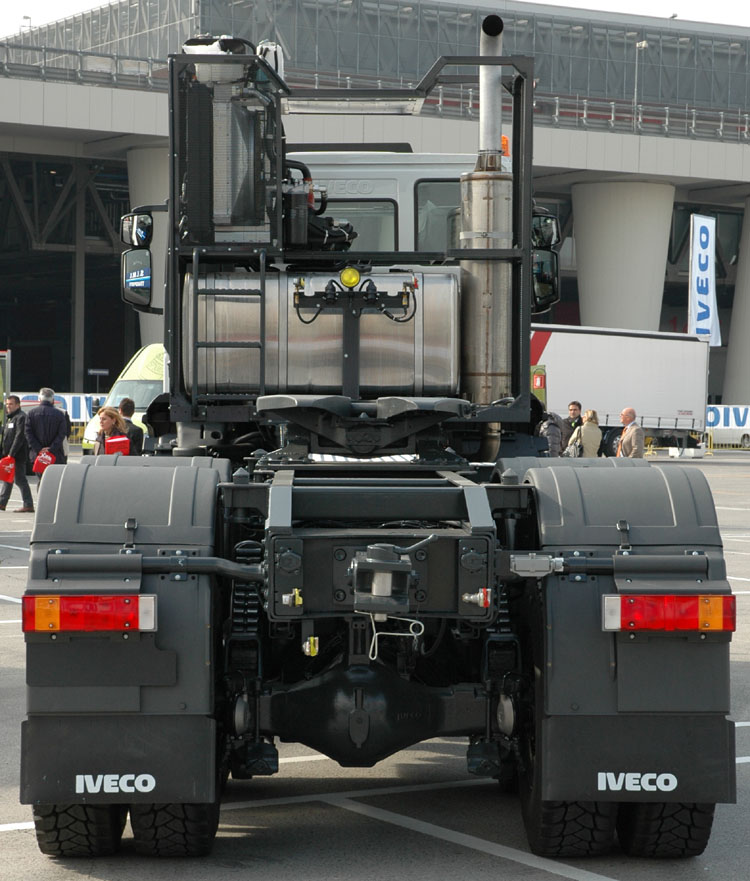 Ditzj.de - Sivi Iveco Trakker 560 - SIMI